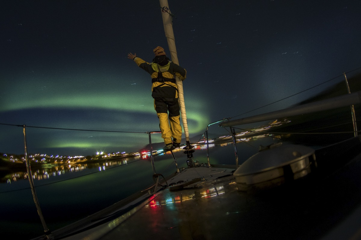 Northern lights Barba sailing
